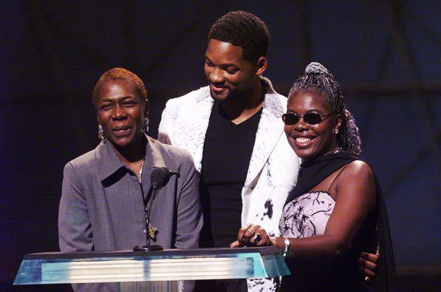 Tupac's mom, Afeni Shakur, and Biggie's mom, Voletta Wallace, met for the first time at the 1999 VMAs